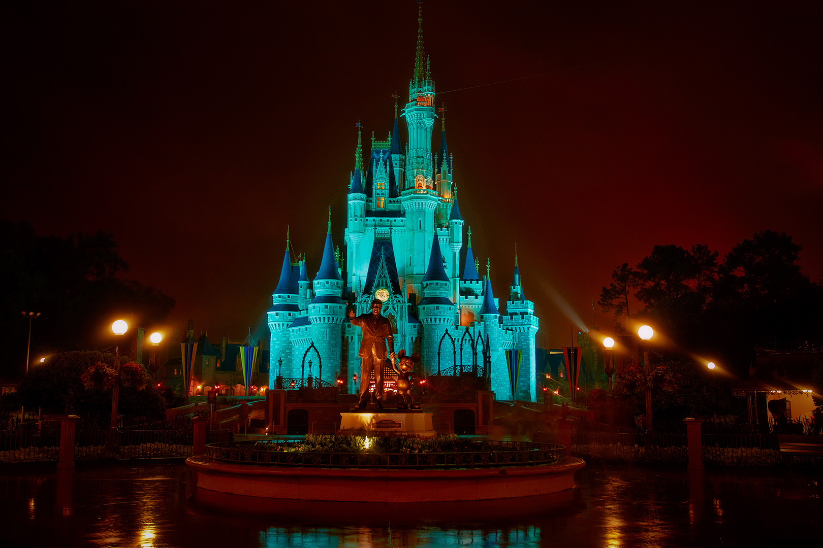 Disney Photography, Disney World Photography, Disneyland Photography, Disney Photos, Disney Pictures, Walt Disney World, The Magic Kingdom, Walt Disney, Mickey Mouse, Orlando, Florida, Theme Park,  Cindarella Castle, Castle