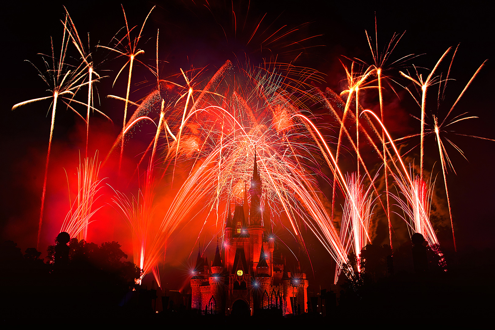Disney Photography, Disney World Photography, Disneyland Photography, Disney Photos, Disney Pictures, Walt Disney World, The Magic Kingdom, Walt Disney, Mickey Mouse, Orlando, Florida, Theme Park, Fireworks, Christmas Wishes, Show