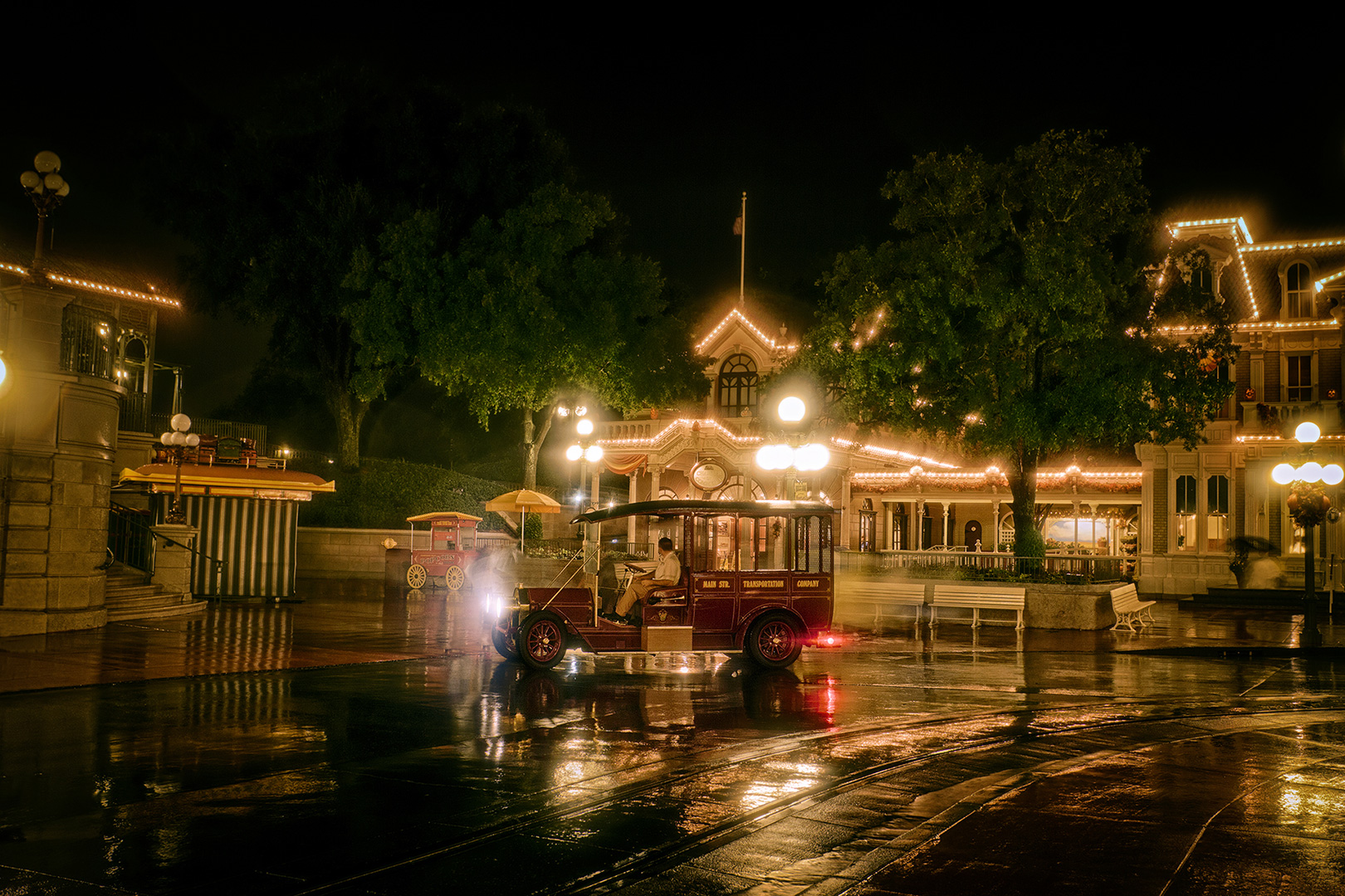 Disney Photography, Disney World Photography, Disneyland Photography, Disney Photos, Disney Pictures, Walt Disney World, The Magic Kingdom, Walt Disney, Mickey Mouse, Orlando, Florida, Theme Park, Transportation, Main Street USA, Vintage Car