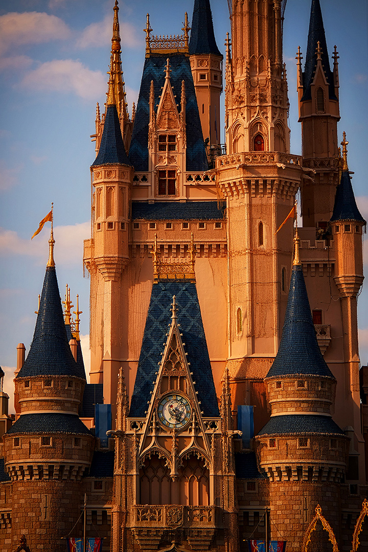 Disney Photography, Disney World Photography, Disneyland Photography, Disney Photos, Disney Pictures, Walt Disney World, The Magic Kingdom, Walt Disney, Mickey Mouse, Orlando, Florida, Theme Park,  Cindarella Castle, Detail