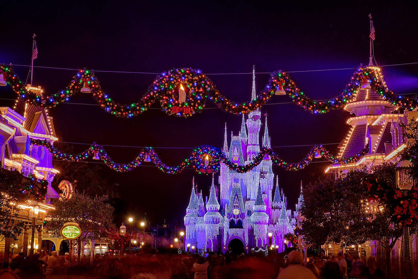 Disney Photography, Disney World Photography, Disneyland Photography, Disney Photos, Disney Pictures, Walt Disney World, The Magic Kingdom, Walt Disney, Mickey Mouse, Orlando, Florida, Theme Park,  Christmas, Castle, Cindarella Castle
